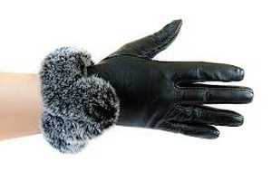 Як розтягнути шкіряні рукавички в домашніх умовах  - Домашні хитрощі 793c02cc85848